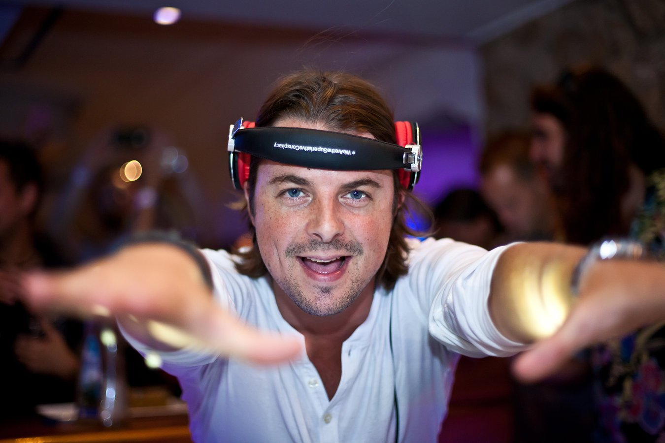 Axwell (Swedish House Mafia member): Part of Discography (Jetlag, Mambana, OXL) (48 релизов) - 2001-2010, MP3 (tracks, image+cue), VBR kbps / 192-320 kbps